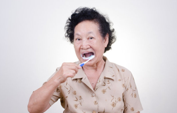 Important Oral Care Tips for Seniors